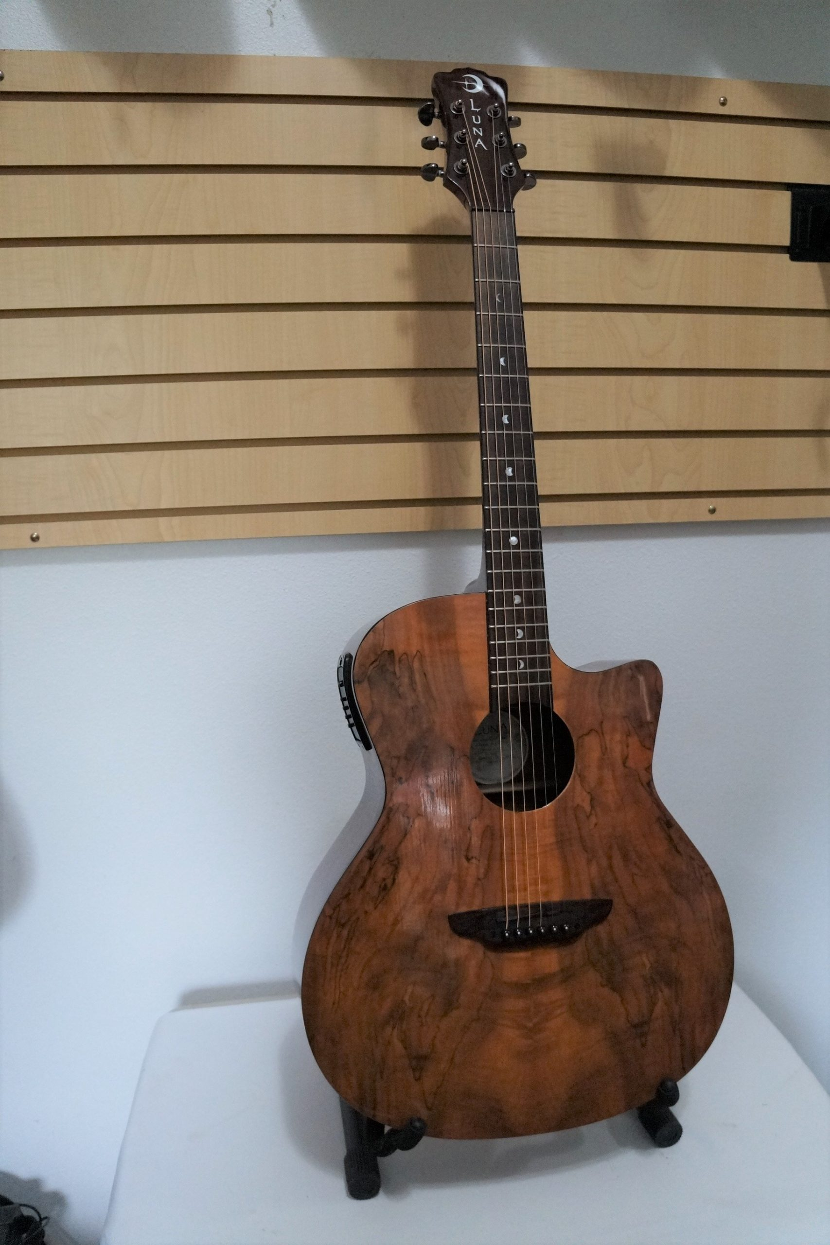 Luna Gypsy Spalt Grand Auditorium Cutaway Acoustic-Electric: Gloss Finish over Wood