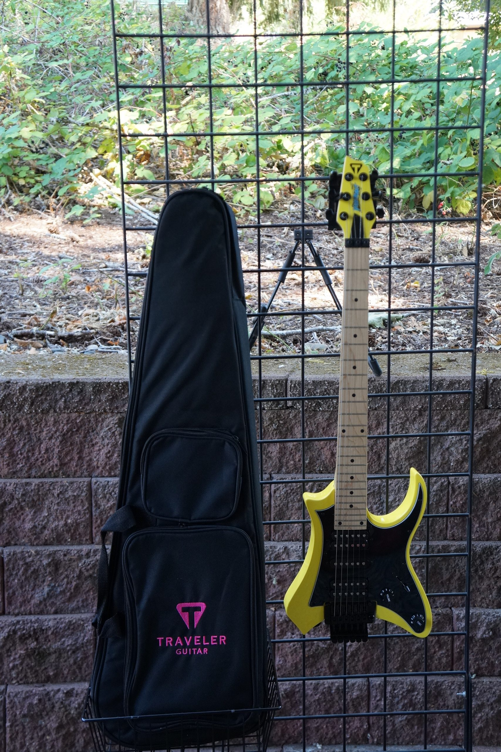 Traveler Vaibrant 88S HSH Electric Travel Guitar in Electric Yellow with Travel Bag