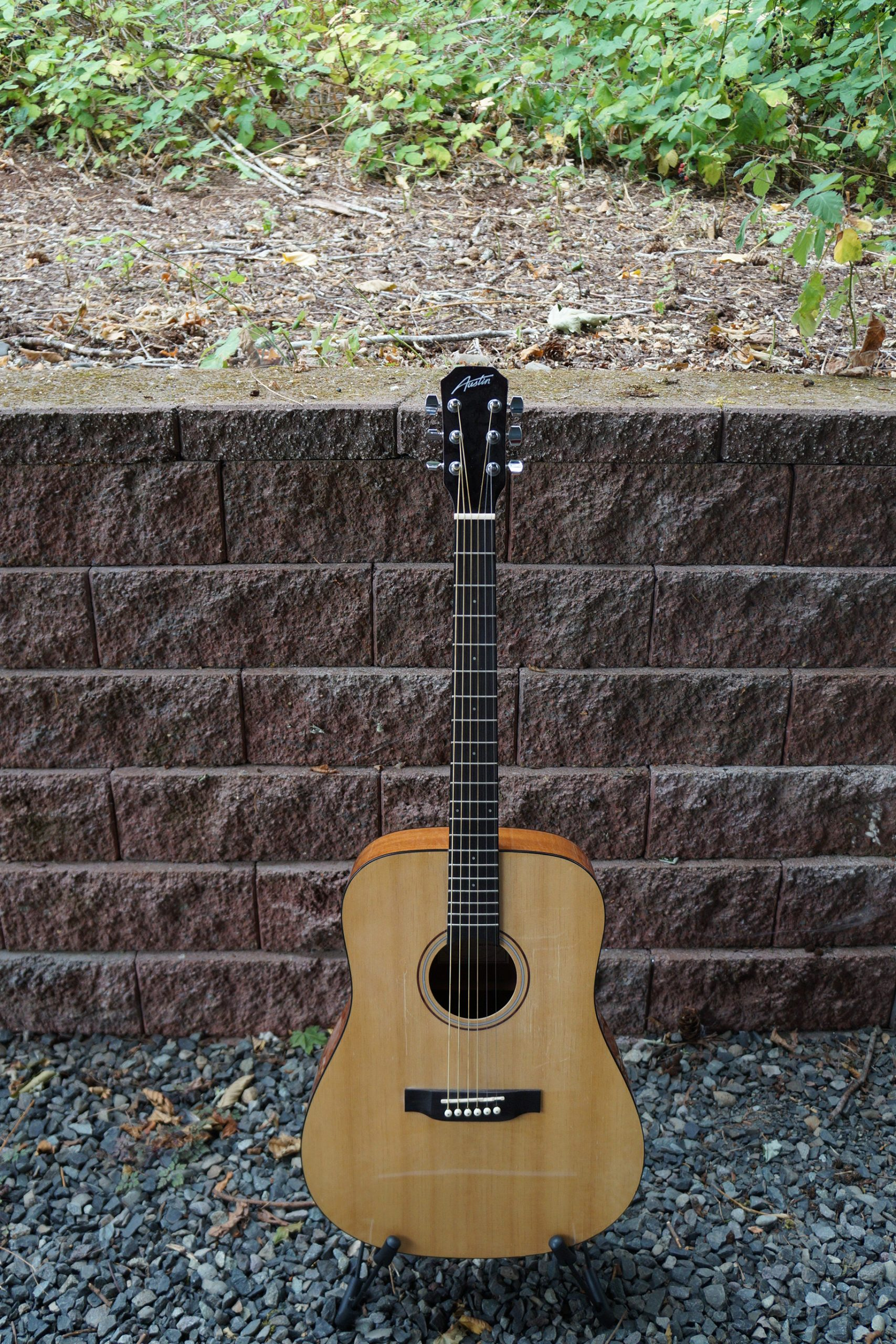 Austin AA25D Acoustic Dreadnought Guitar, Natural, with Finish Imperfections.